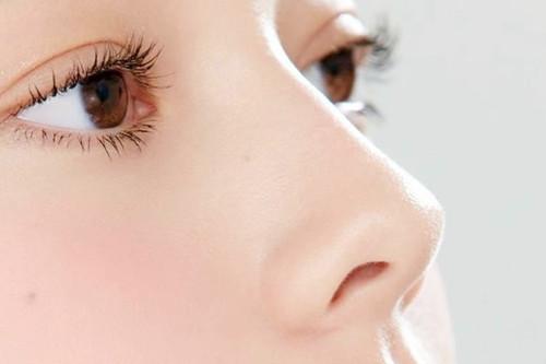 隆鼻手术的危险是什么?